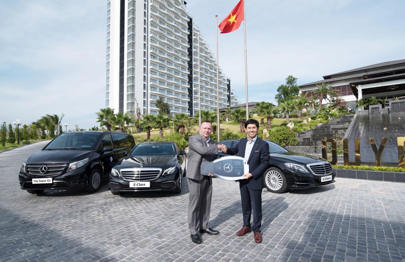 Mercedes-Benz Việt Nam bàn giao 16 xe cho khu nghỉ dưỡng Duyên Hà Resort Cam Ranh - ảnh 1