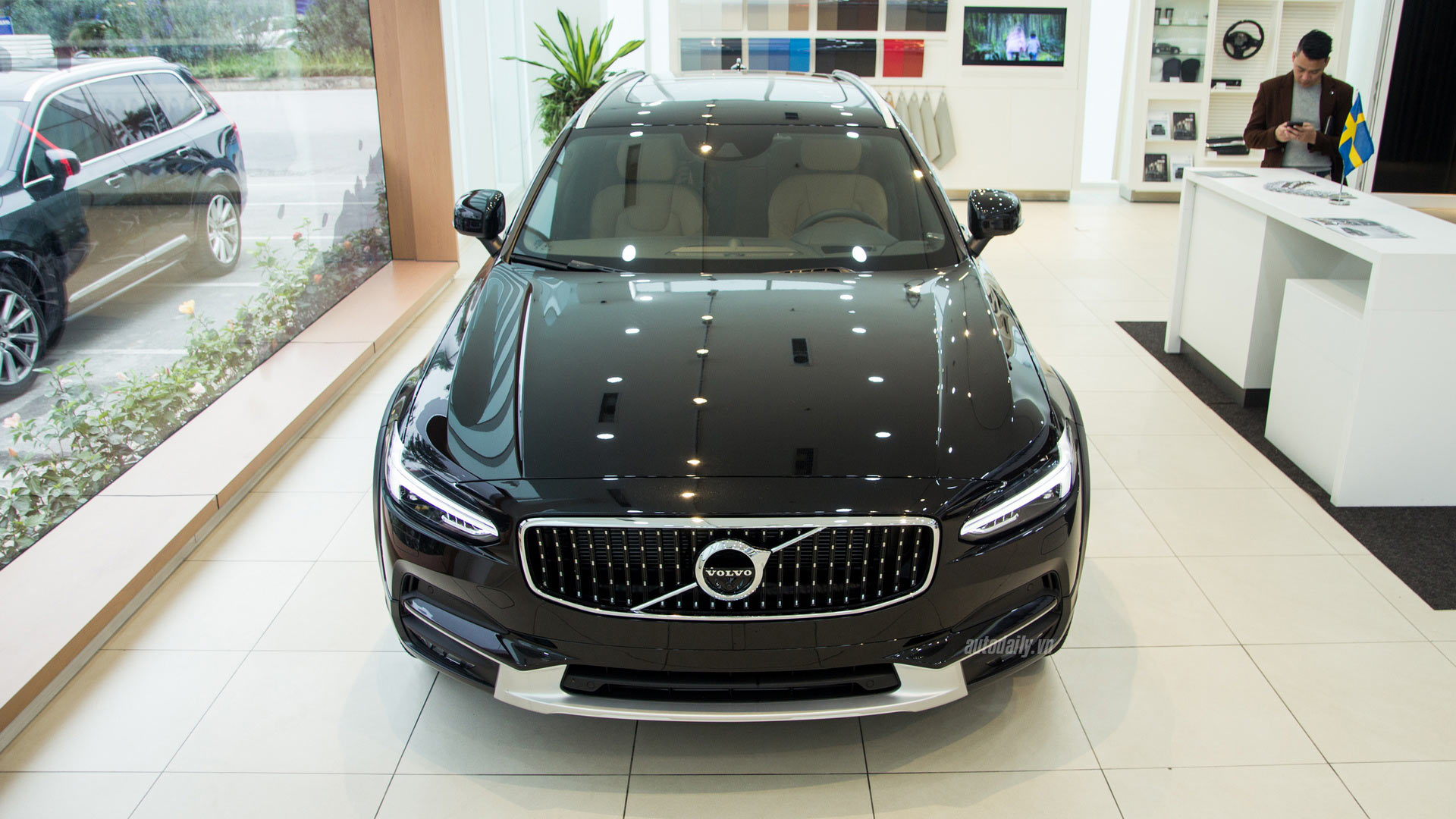 volvo-v90-cross-country-ngoai-that-012.jpg