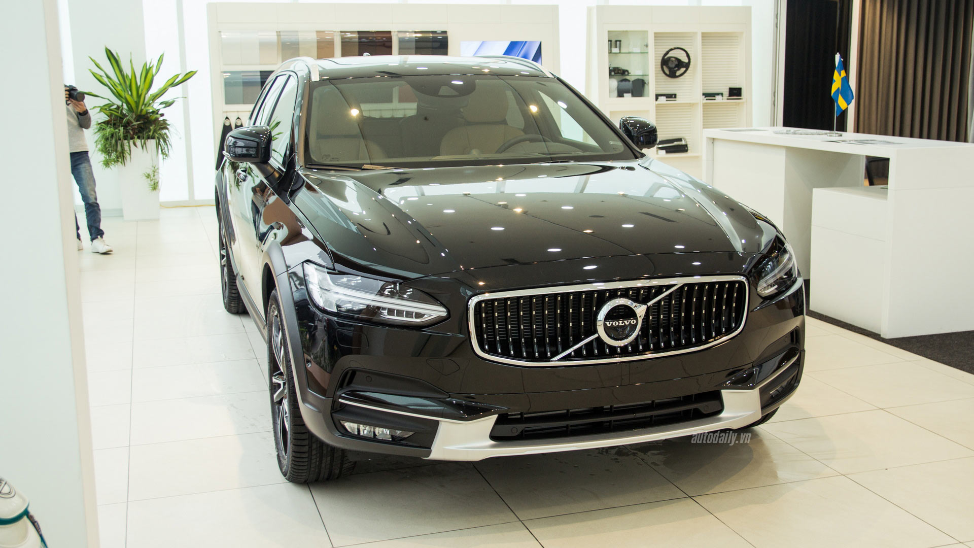 volvo-v90-cross-country-ngoai-that-014-1.jpg