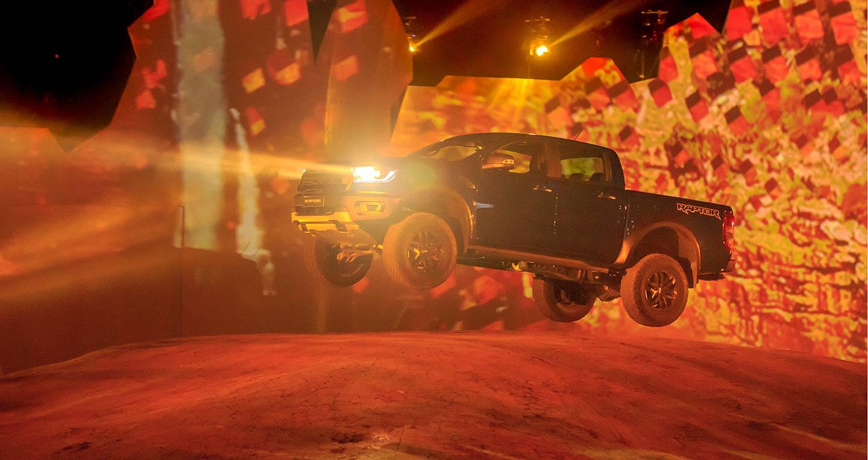 Ford Ranger Raptor: Bán tải cho tín đồ đam mê off-road