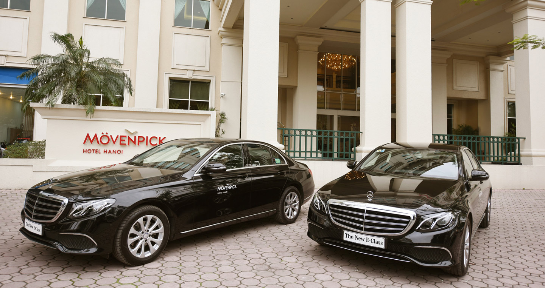 Bàn giao bộ đôi Mercedes E 200 cho khách sạn hạng sang tại Hà Nội