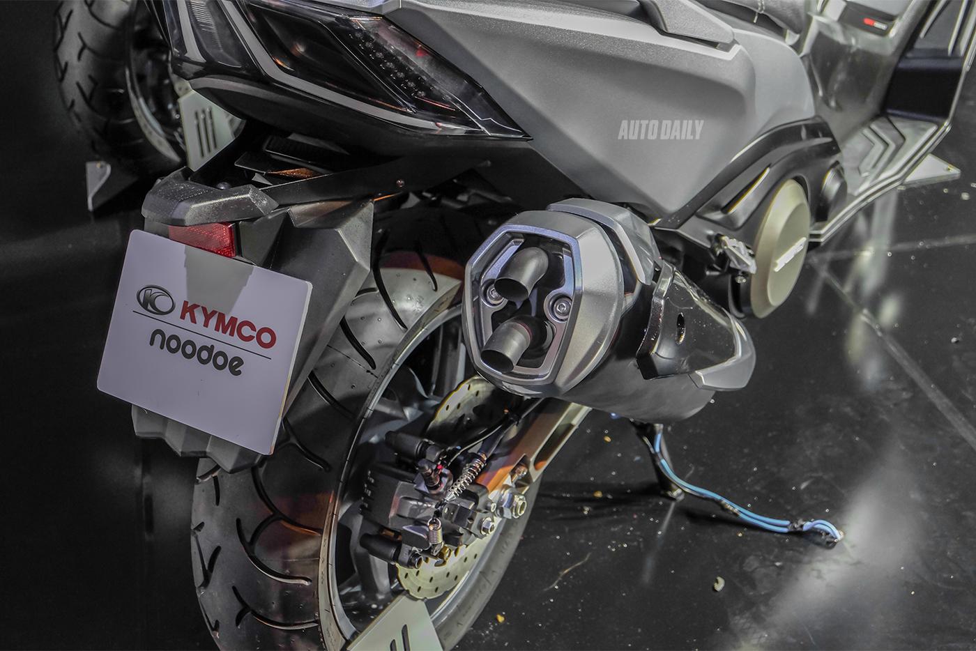 kymco-ak550-12.jpg