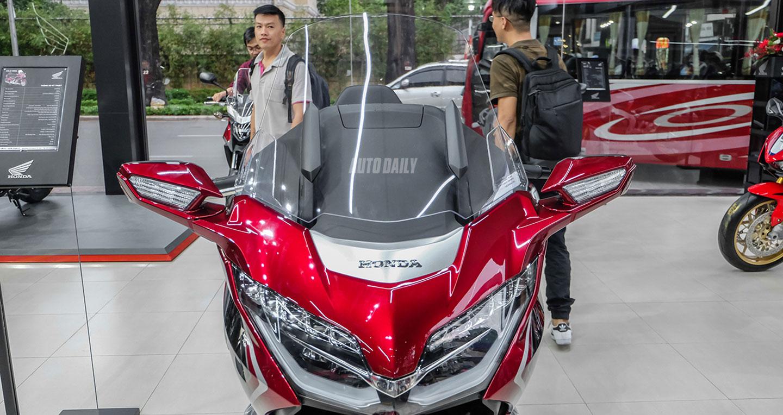 Giá ngang một chiếc Accord, Honda Gold Wing 2018 có gì đặc biệt?