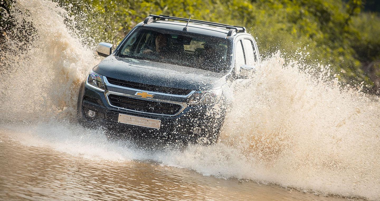 10 lời khuyên lái xe qua đoạn đường ngập nước