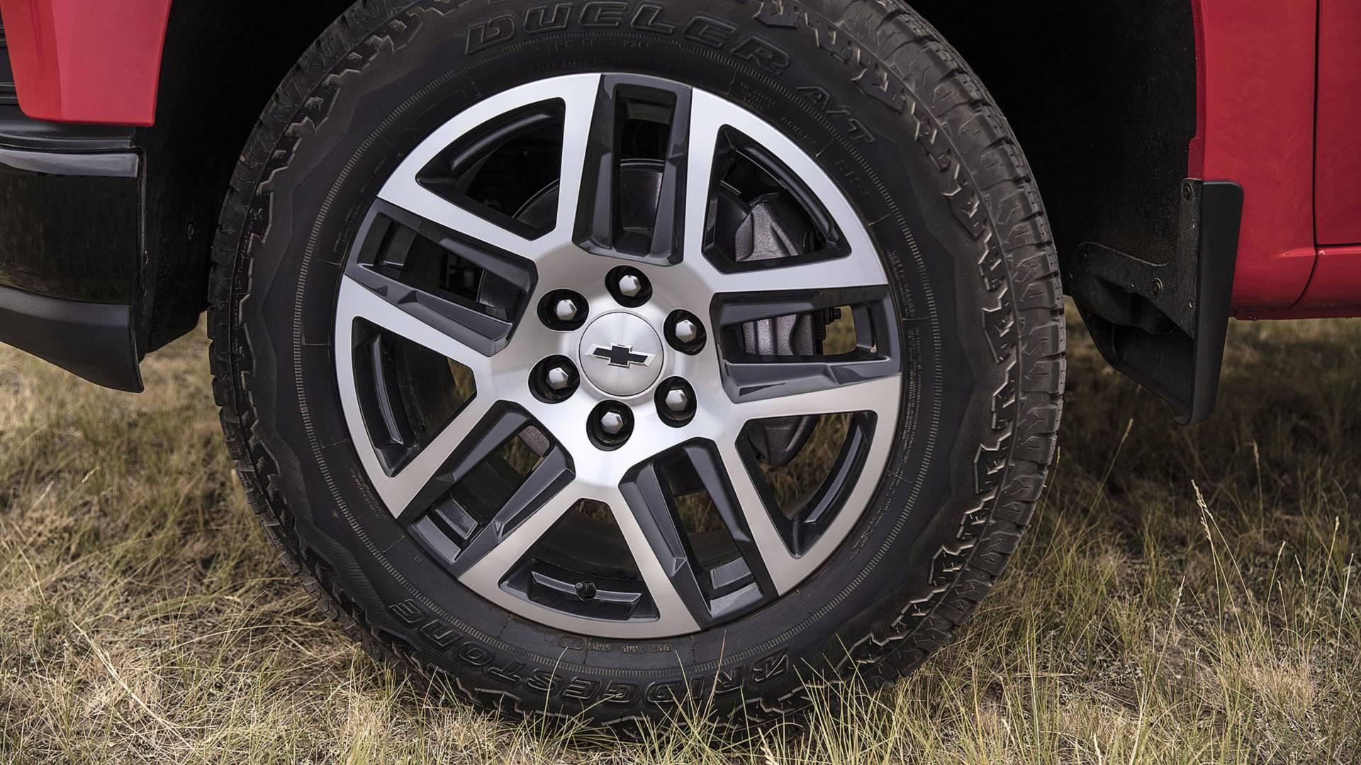 2019-chevrolet-silverado-first-drive-4.jpg