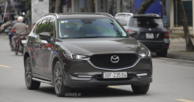 Mazda CX-5 thống trị, Outlander vượt CR-V trong tháng 7