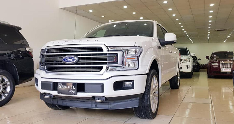 Siêu bán tải Ford F-150 Limited 2018 có giá gần 4,6 tỷ