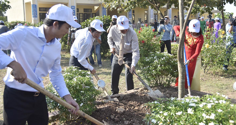 """""""Toyota xanh hoá học đường"""" được triển khai tại 6 tỉnh, thành phố"""