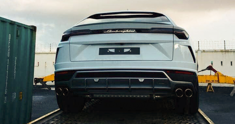 Liên tiếp 2 siêu xe Lamborghini Urus được mở công tại Việt Nam