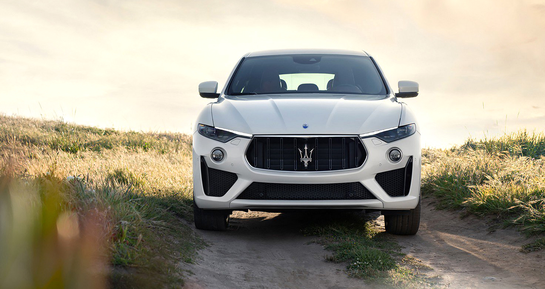 SUV hiệu suất cao Maserati Levante GTS có giá bán 119.980 USD