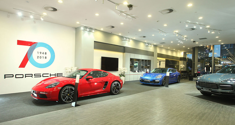 Có một không gian đặc biệt dành cho tín đồ Porsche giữa Sài Gòn