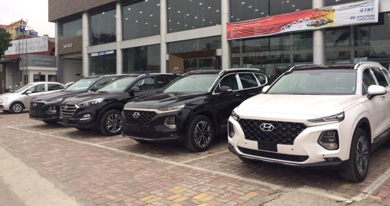Gần ngày ra mắt, Hyundai Santa Fe 2019 đồng loạt về đại lý
