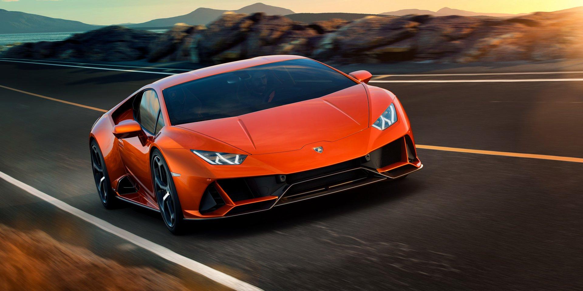 Lộ diện Lamborghini Huracan EVO 2020, giá từ 261.274 USD