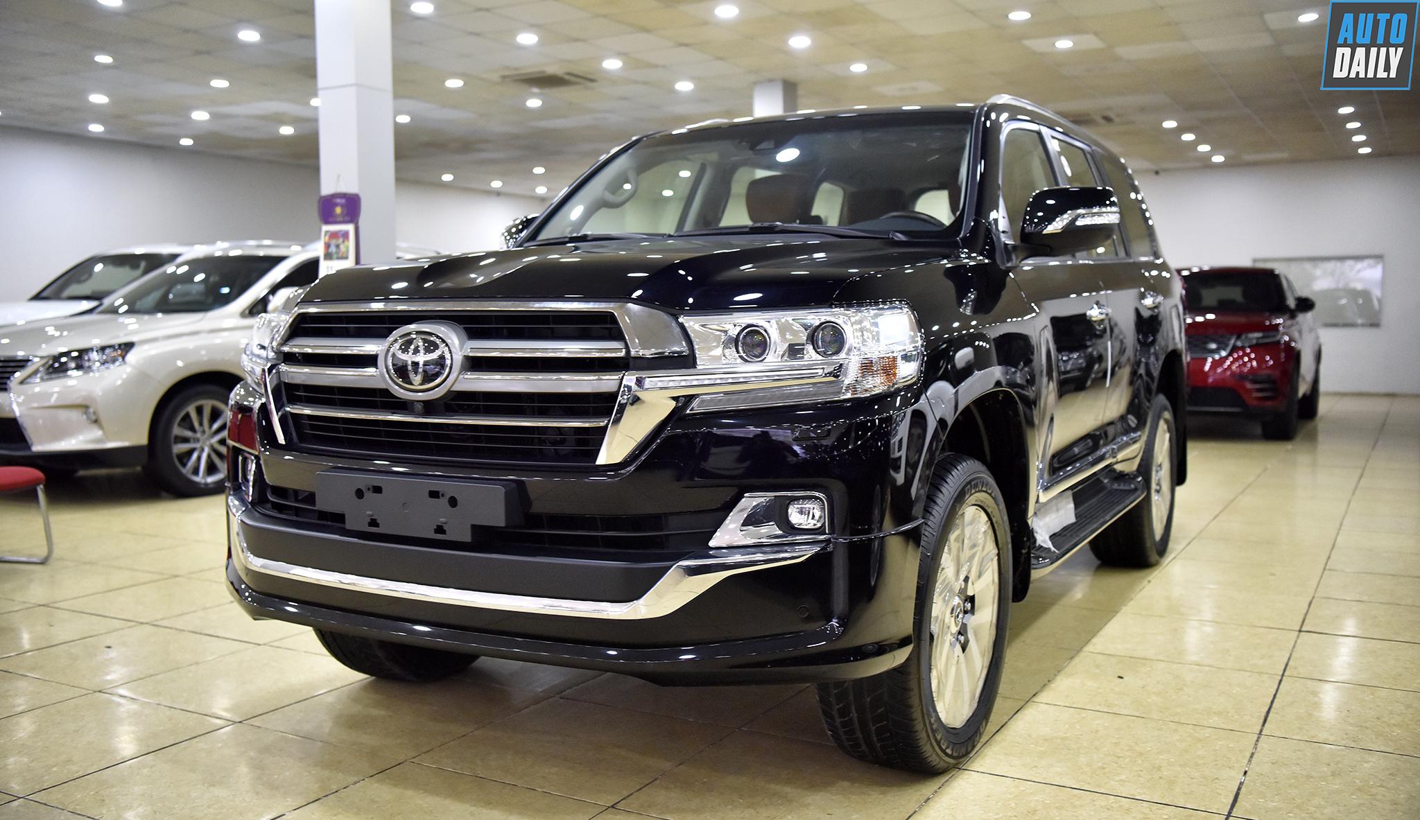 Chi tiết Toyota Land Cruiser 2019 độ 4 ghế ngồi siêu sang
