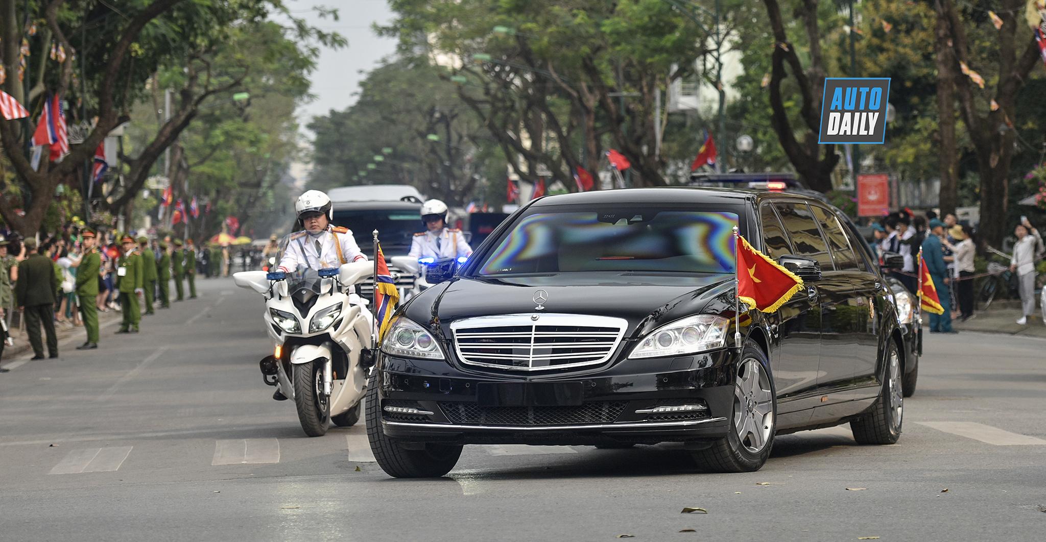 Mercedes S600 Pullman Guard và Maybach 62S của Kim Jong-un trên phố HN