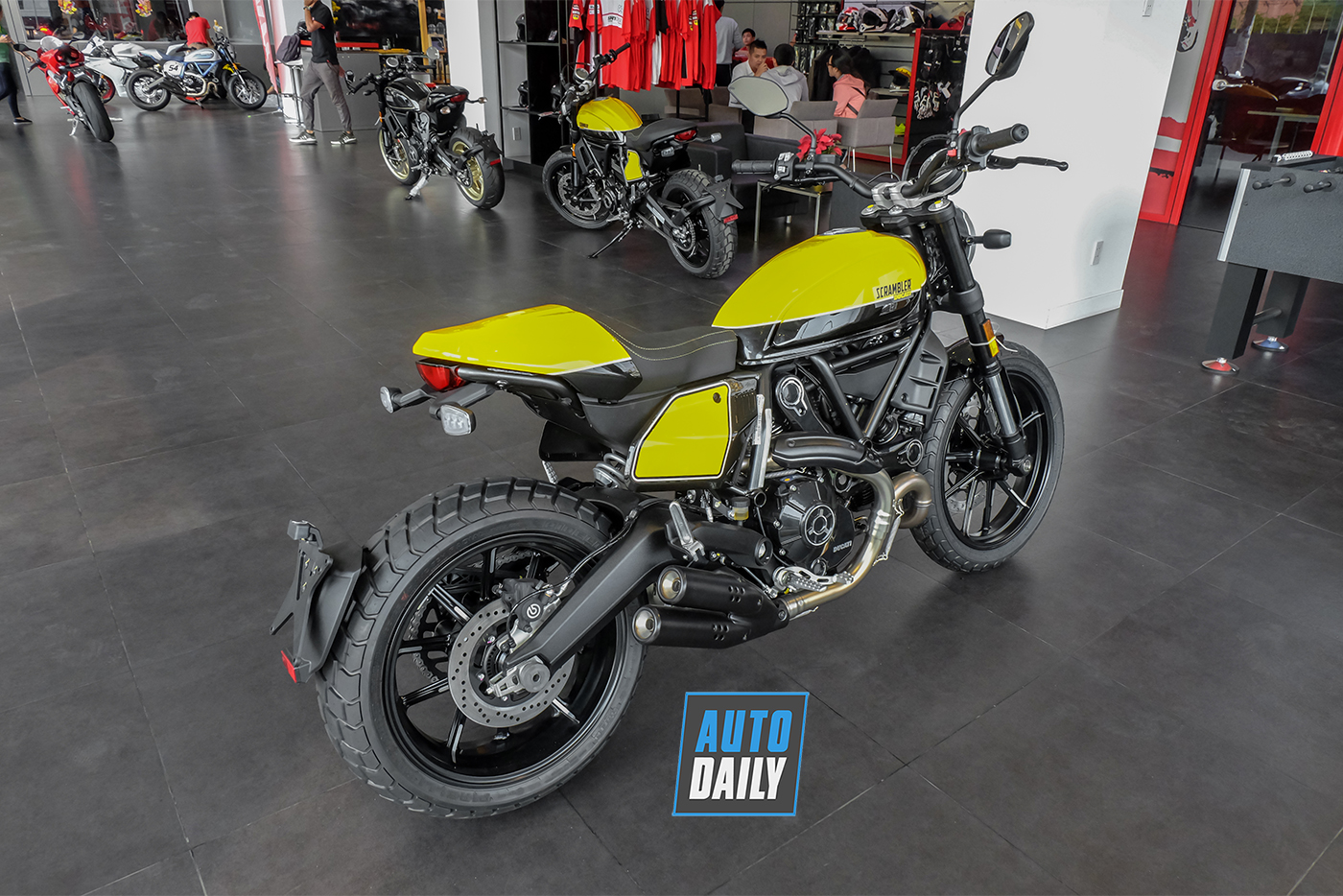 ducati-scrambler-full-throttle-2019-11.jpg
