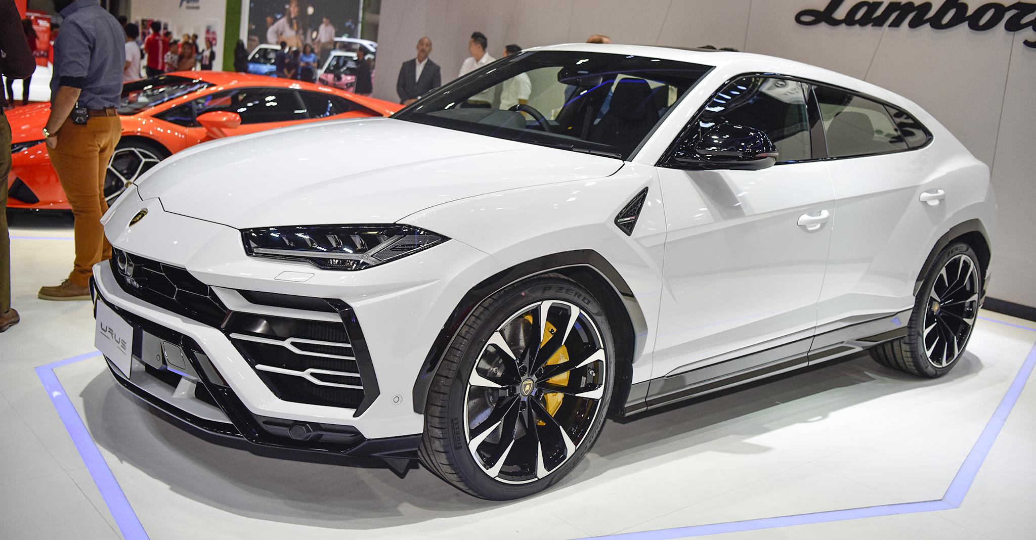 Siêu SUV Lamborghini Urus có gì đặc biệt?