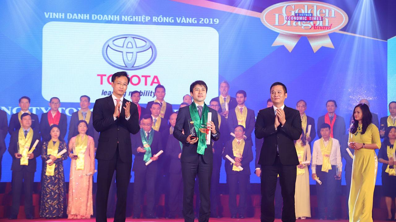 Toyota Việt Nam nhận giải thưởng Rồng Vàng lần thứ 18
