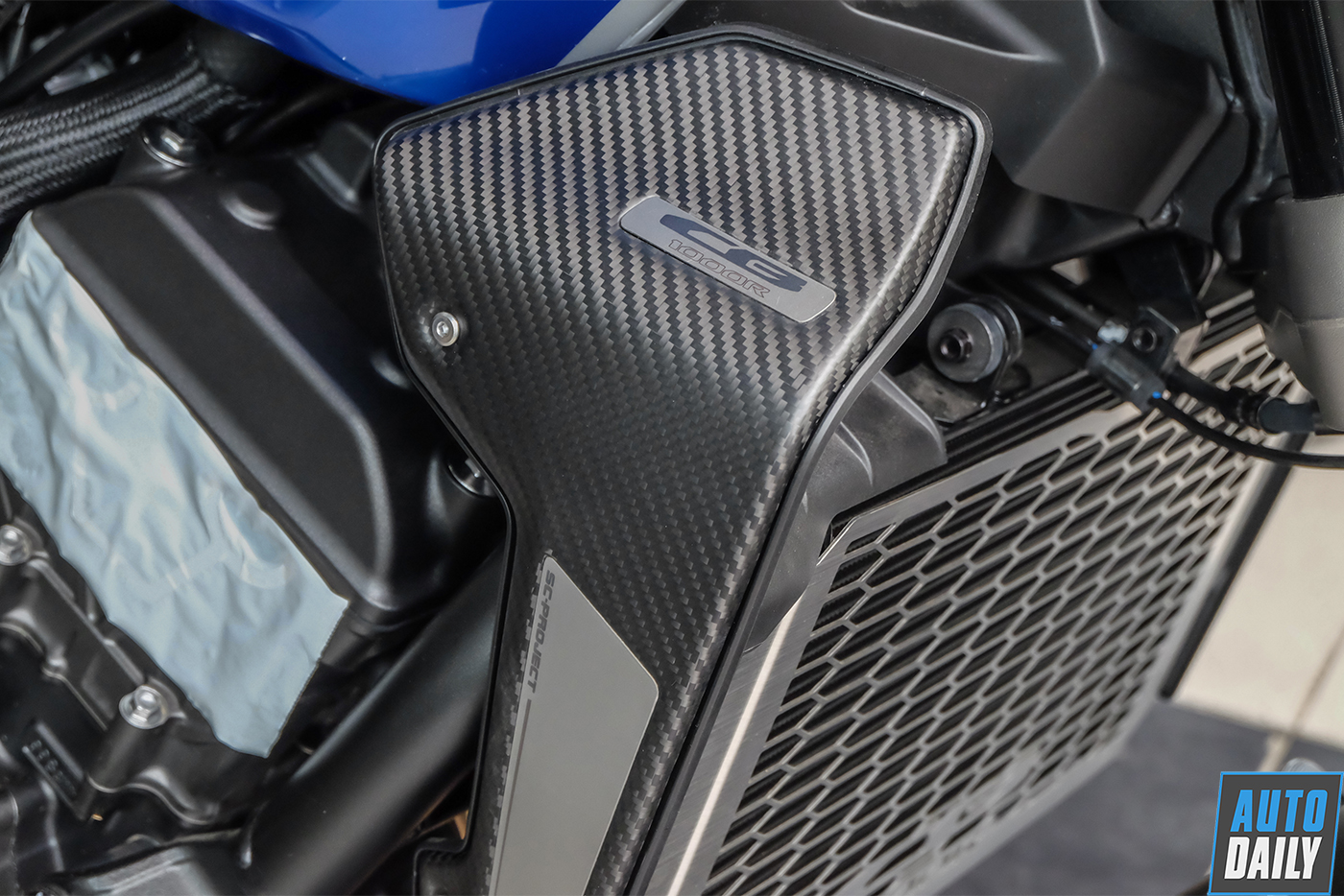 honda-cb1000r-plus-limited-edition-2019-14.jpg