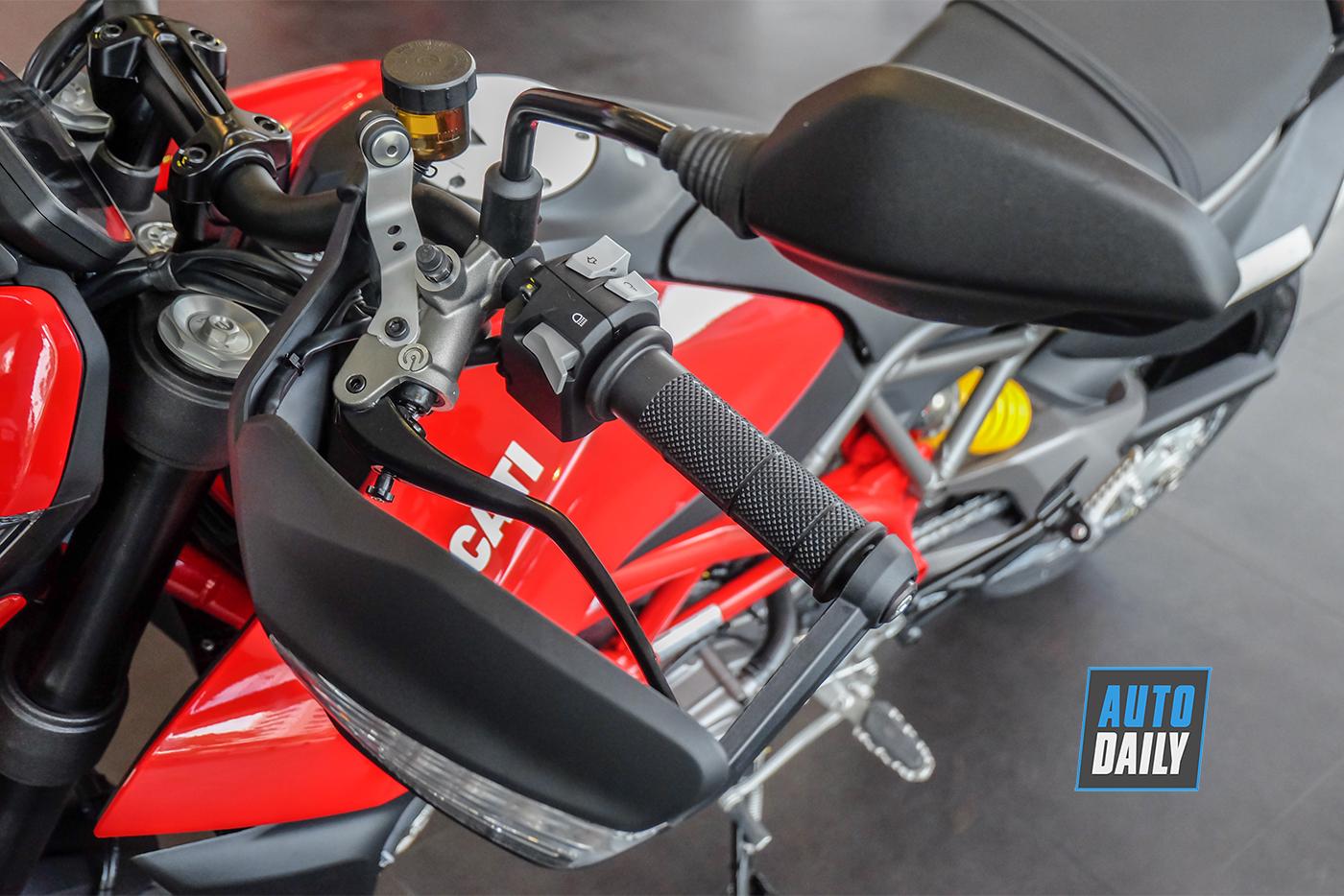 ducati-hypermotard-950-2019-90.jpg