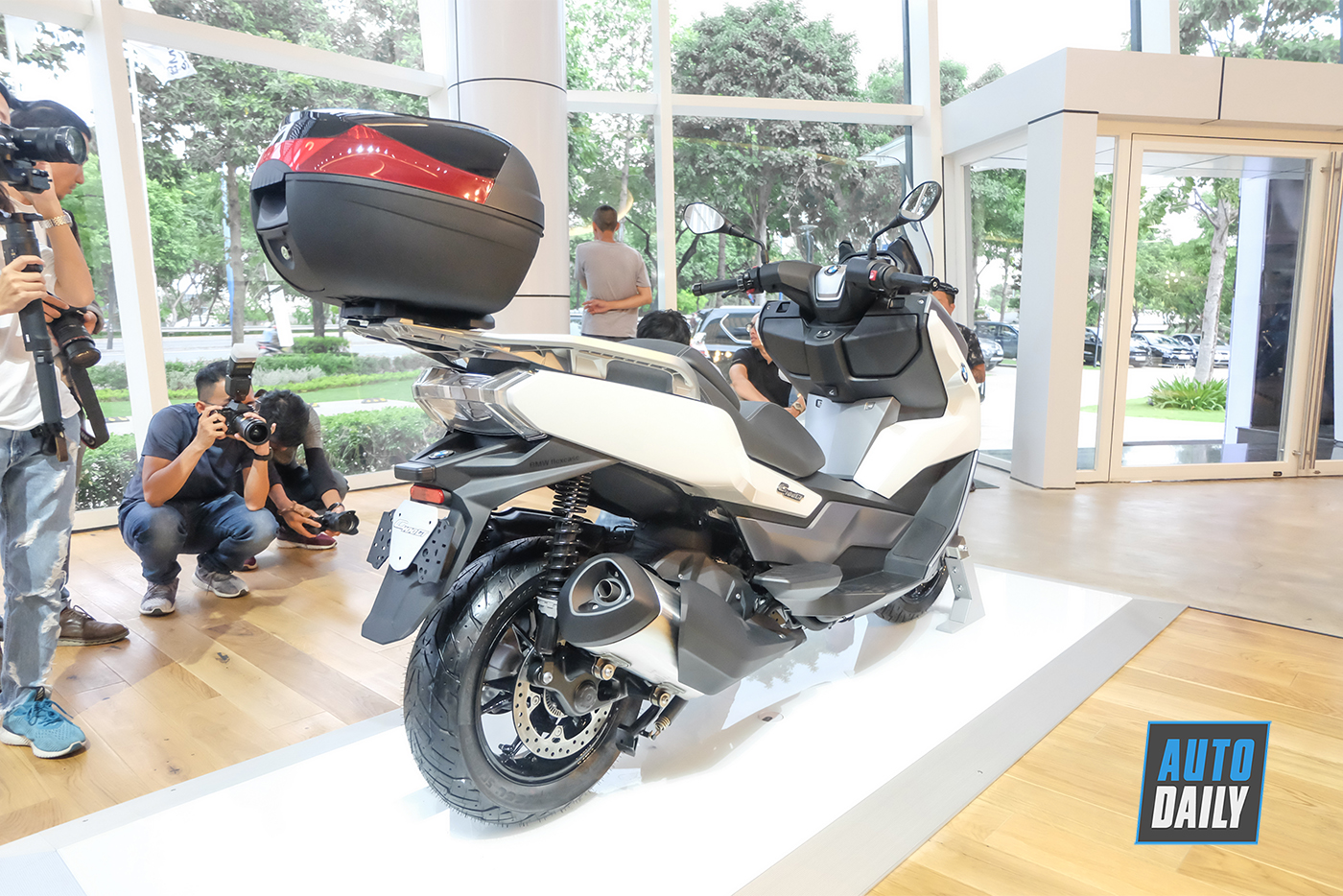 bmw-motorrad-c400gt-29.jpg