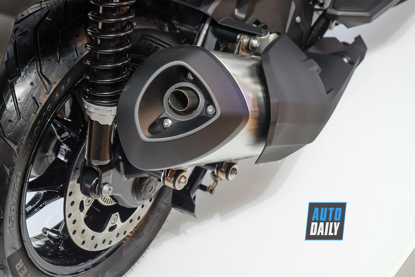 bmw-motorrad-c400gt-9.jpg