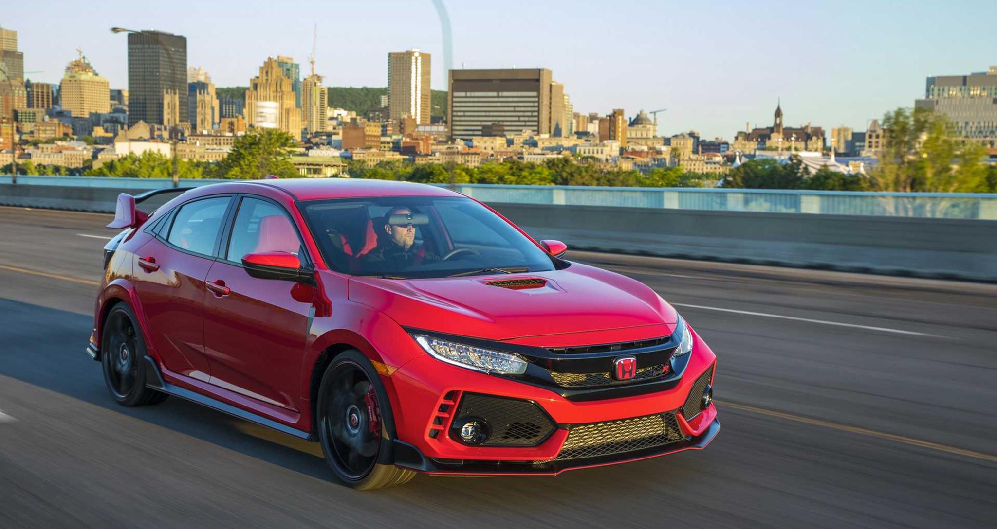Honda Civic Type R 2019 lại tăng giá, khởi điểm từ 37.230 USD