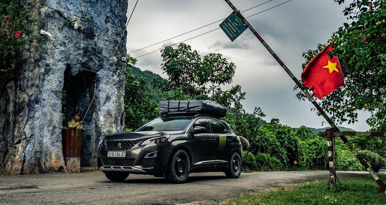 Top Gear khám phá đường mòn Hồ Chí Minh cùng Peugeot 3008 phiên bản đặc biệt