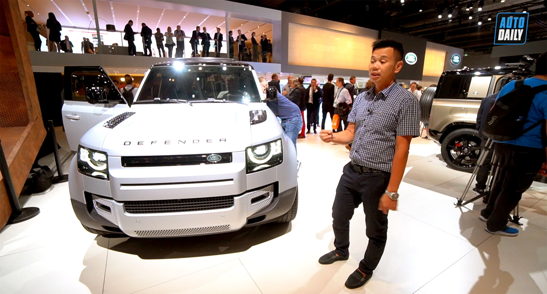 Soi chi tiết Land Rover Defender 2020: Đối thủ lớn của Mercedes G-Class