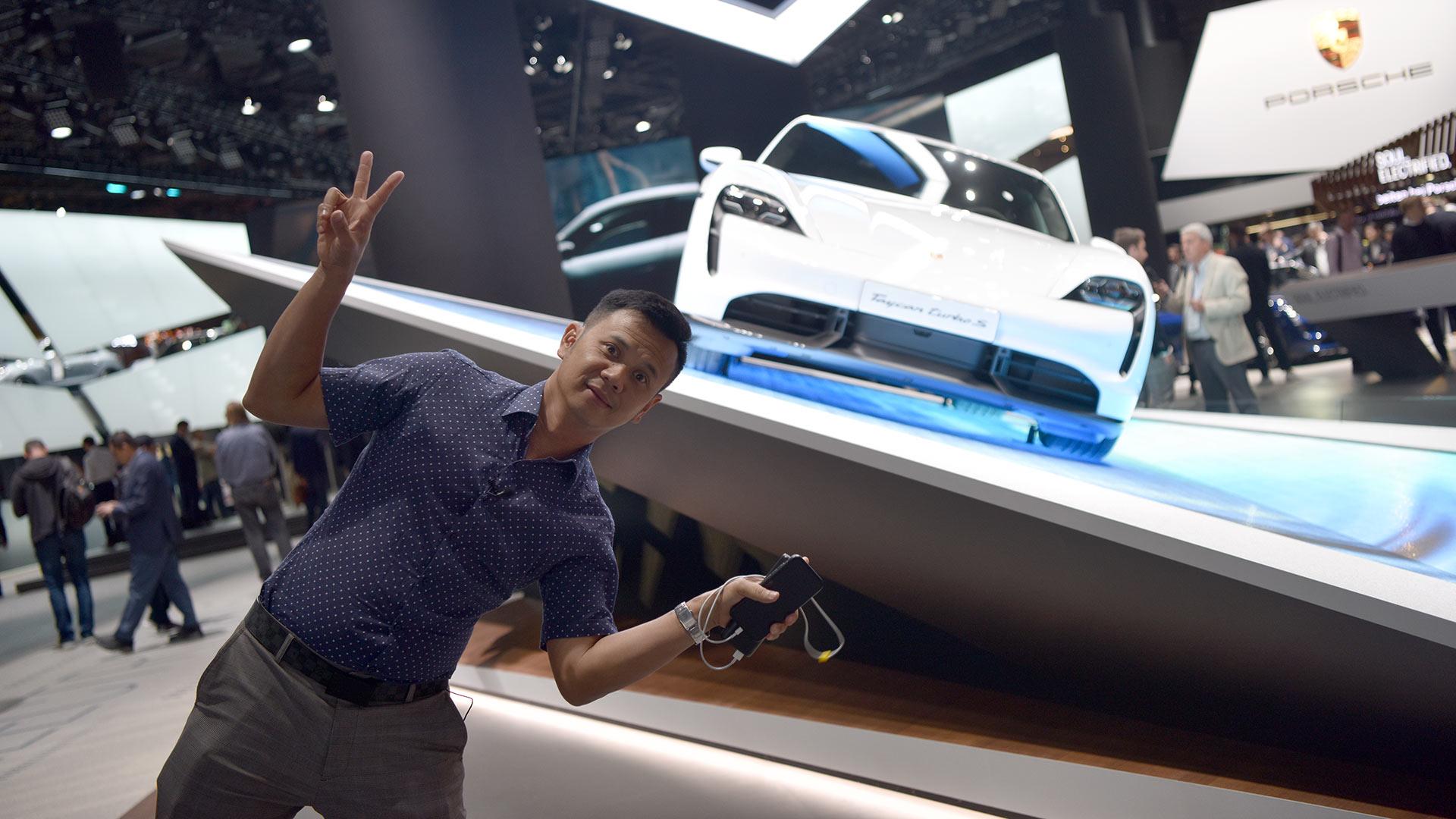 Đánh giá Porsche Taycan 2020 sắp về Việt Nam