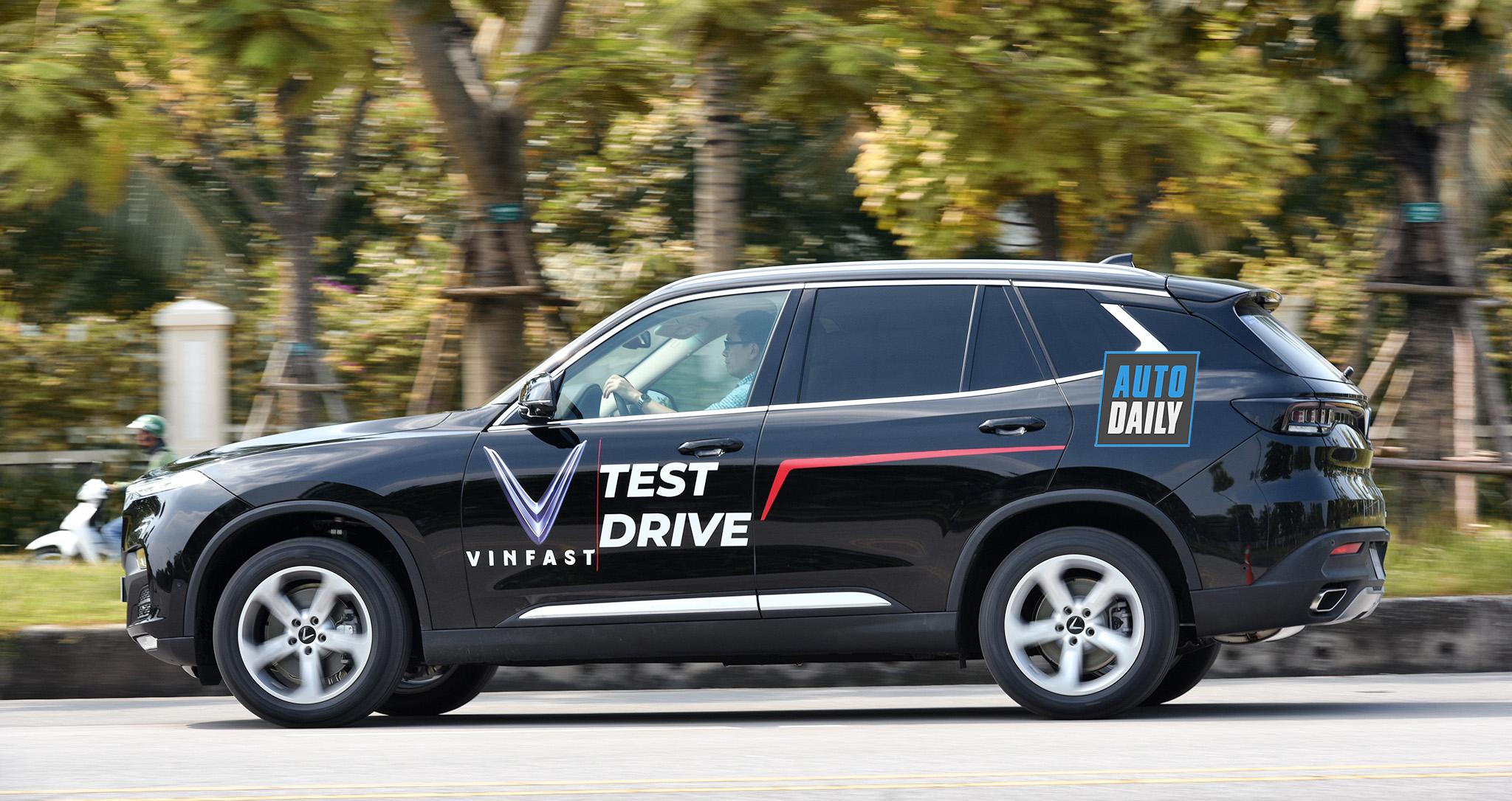 VinFast tổ chức lái thử xe Lux 2.0 cùng cơ hội nhận vé xem F1