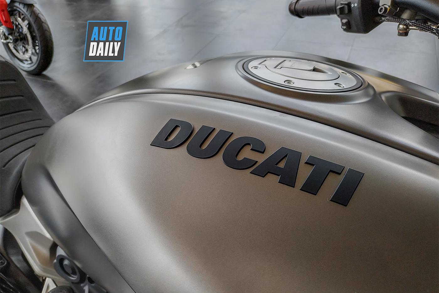 ducati-diavel-1260-2019-37.jpg