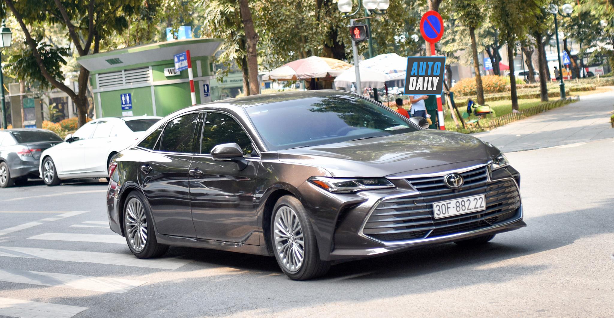 Toyota Avanlon 2019 biển đẹp giá hơn 4 tỷ đồng tại Hà Nội