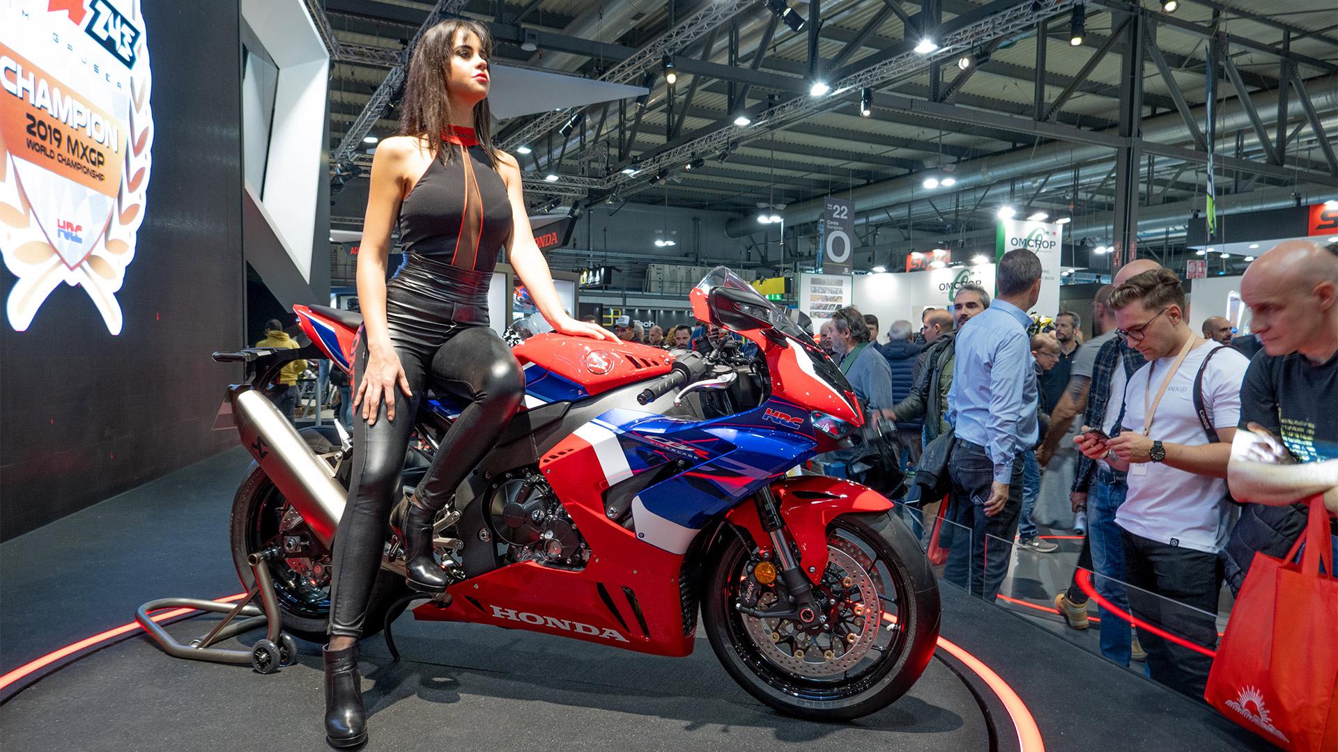 Siêu phẩm Honda CBR1000RR-R Fireblade 2020 lộ diện CỰC NGẦU, cảm hứng từ MotoGP