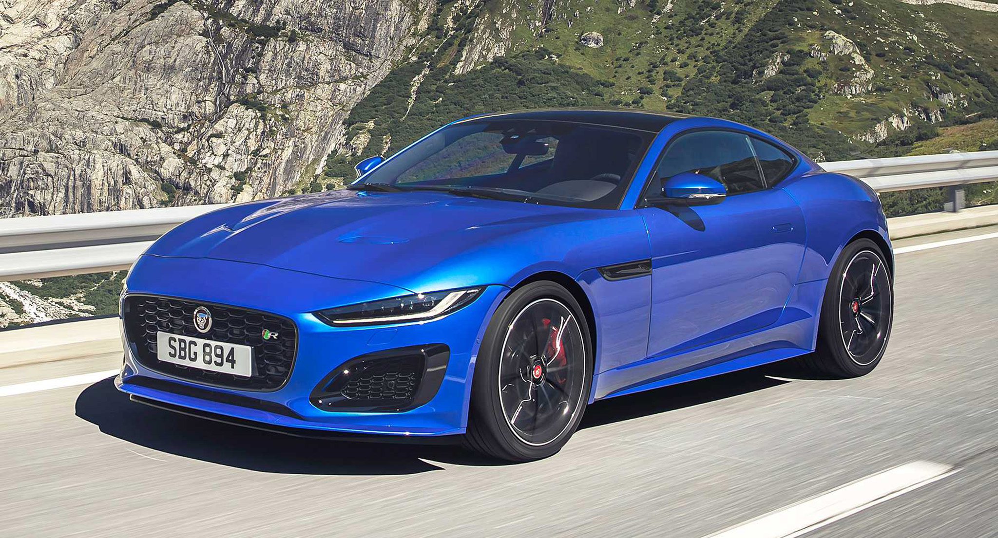 Xe thể thao hai cửa Jaguar F-Type 2021 ra mắt, giá từ 70.000 USD