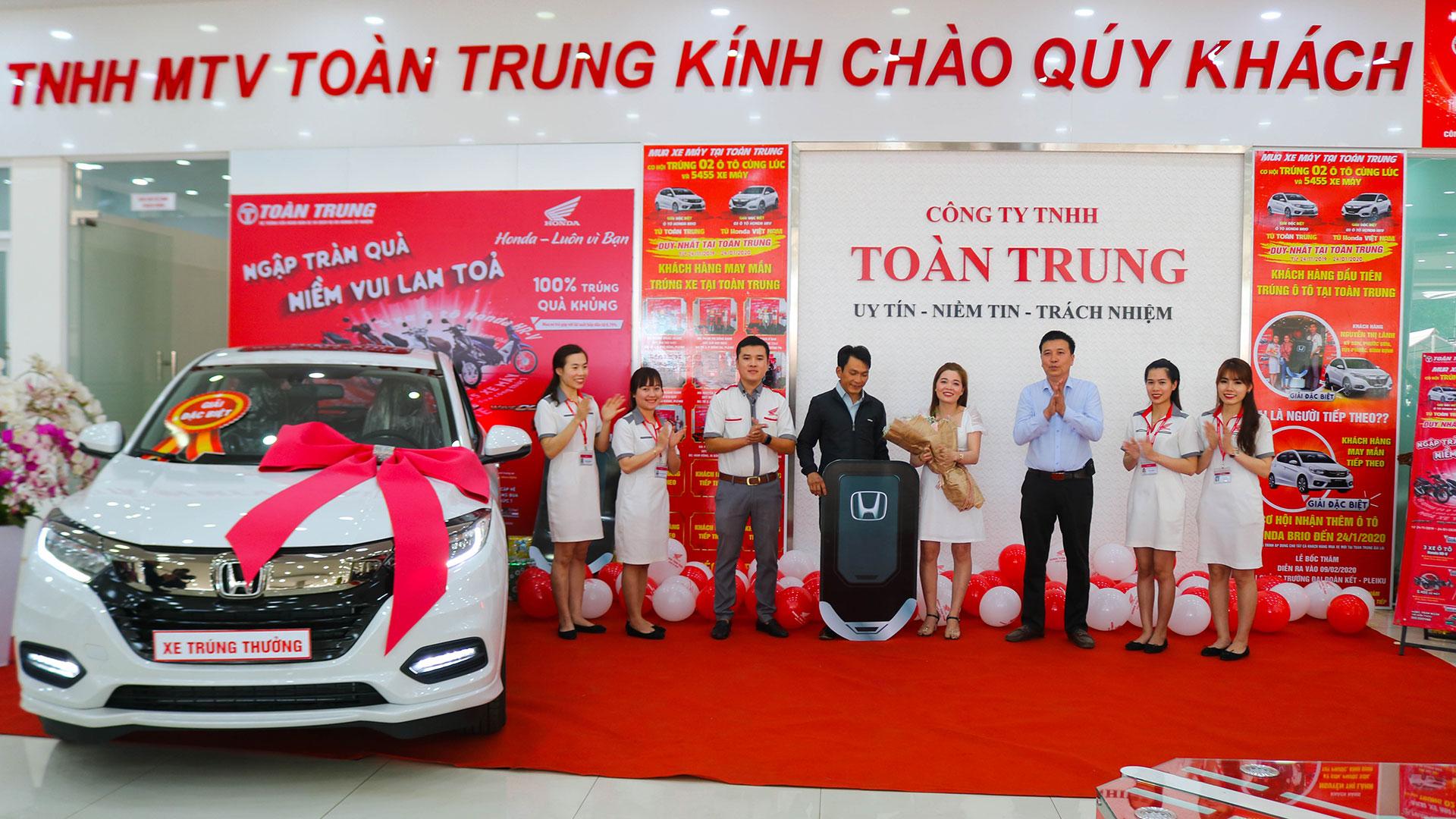Gần 4.000 khách hàng trúng thưởng xe Honda dịp cận Tết