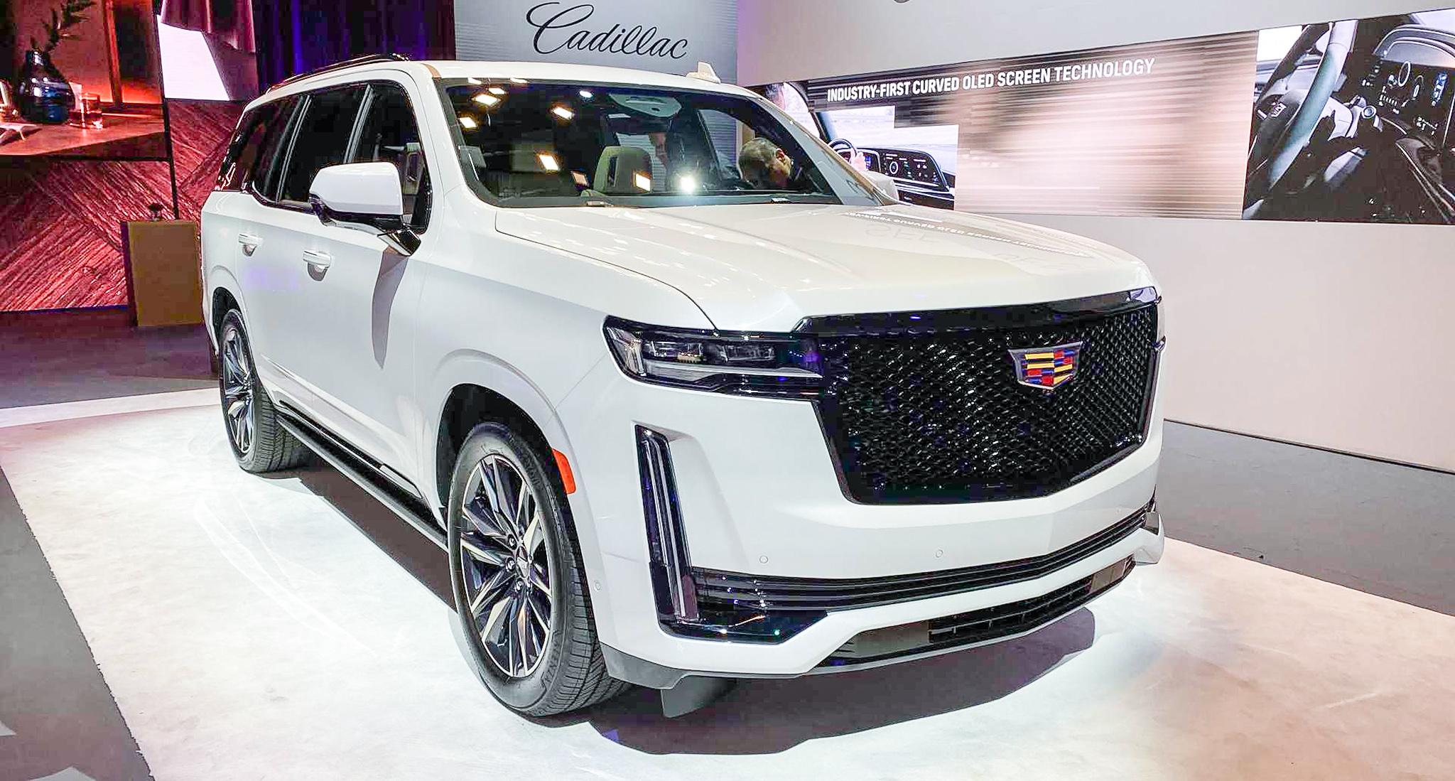 Cadillac Escalade 2021 ra mắt với 36 loa, màn hình Oled 38 inch