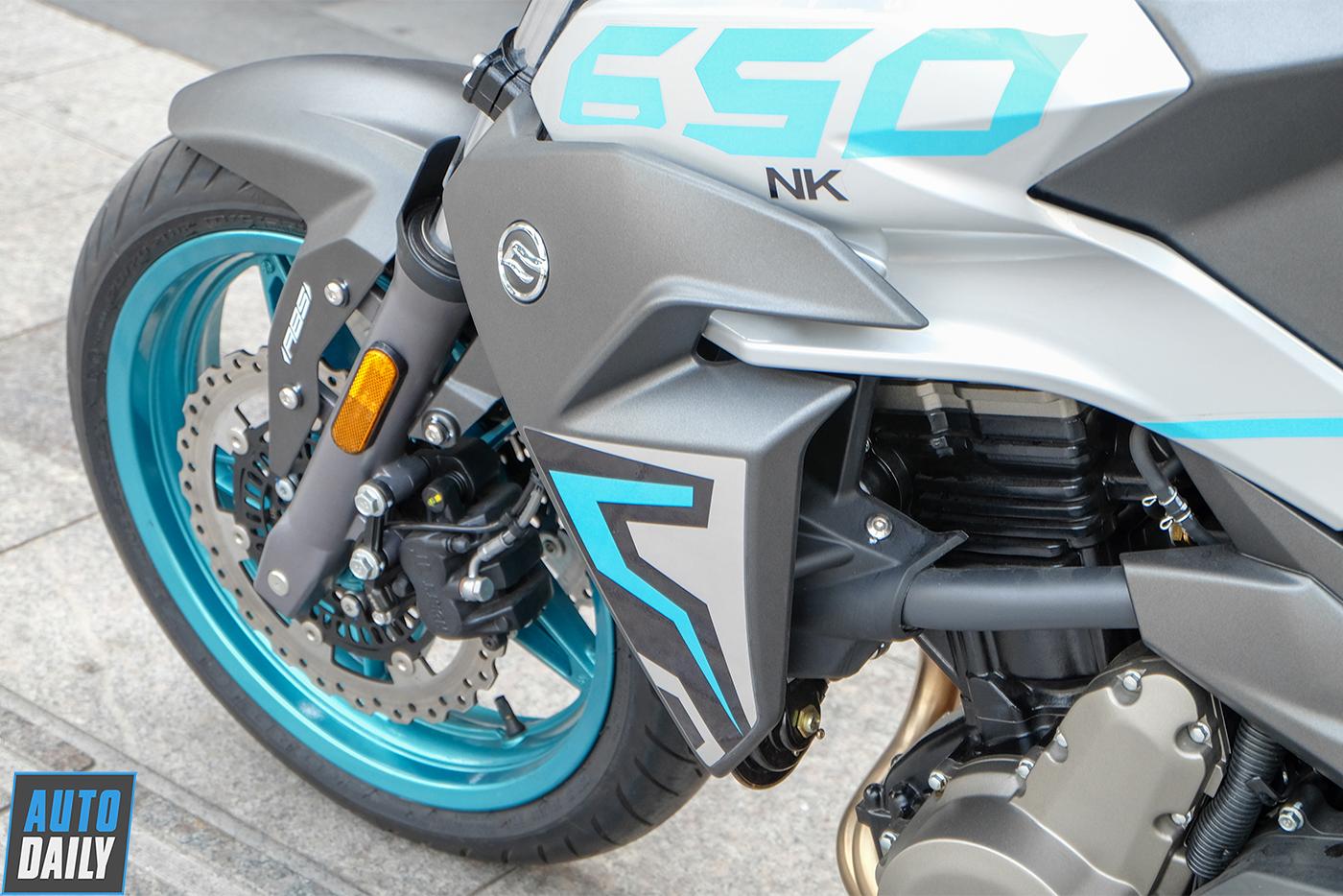 cf-moto-650nk-13.jpg