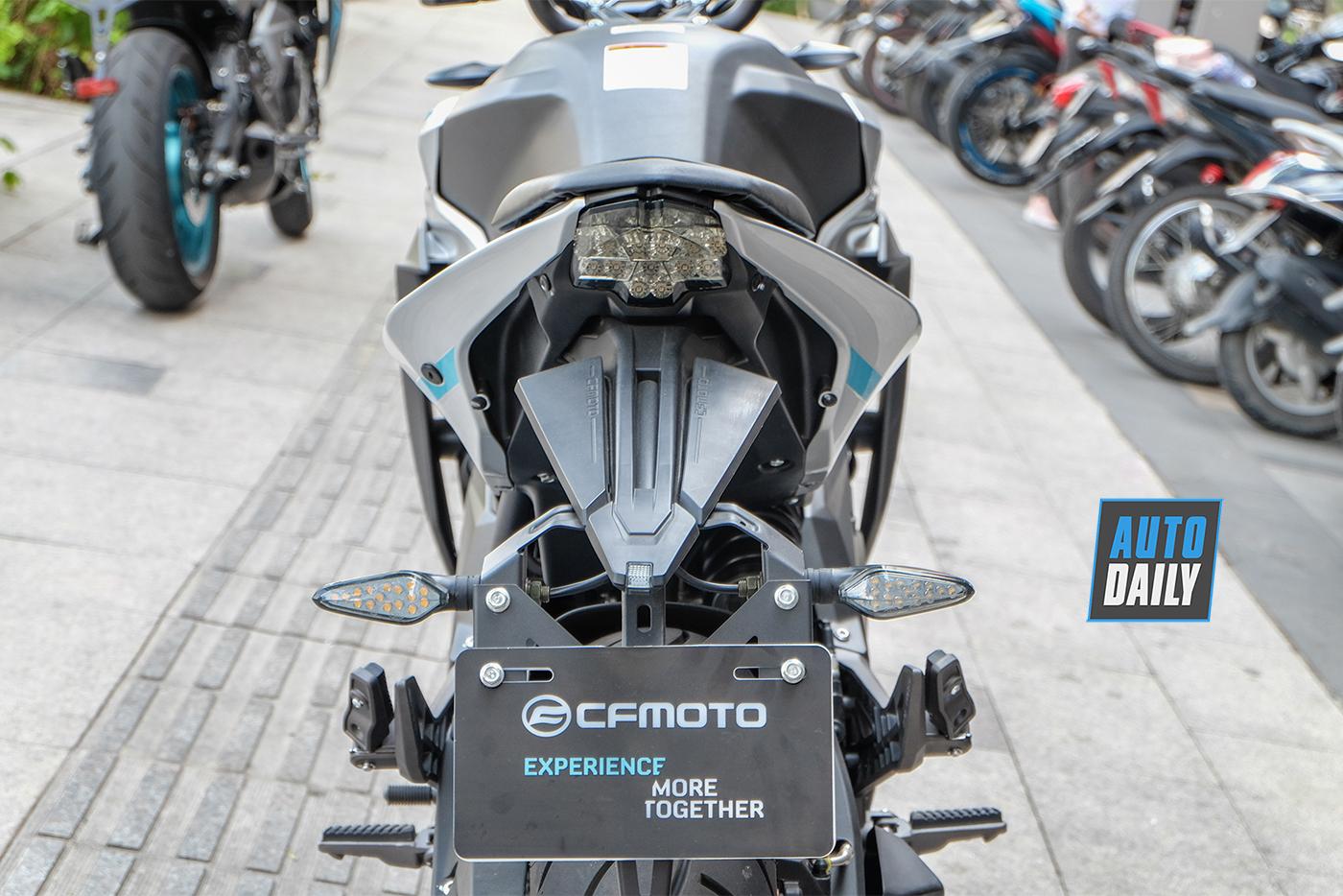 cf-moto-650nk-15.jpg
