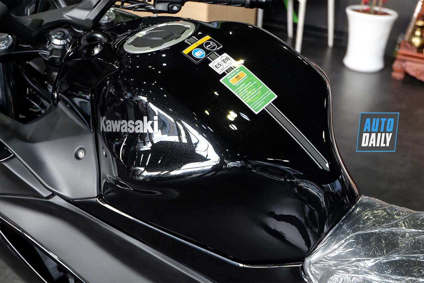 kawasaki-ninja-650-2020-17.jpg