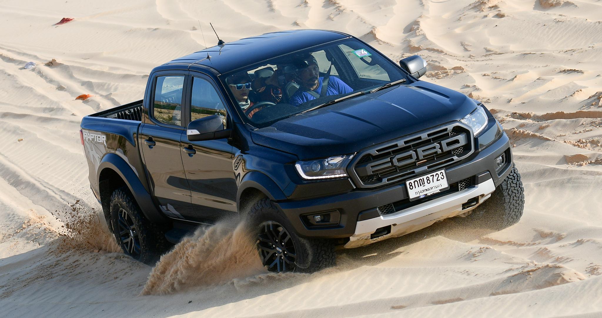Chinh phục đồi cát Bàu Trắng cùng Ford Ranger Raptor