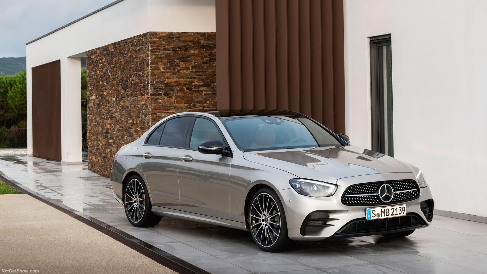 Mercedes-Benz E-Class 2021 - Sang chảnh và nhiều công nghệ đấu BMW 5 series!