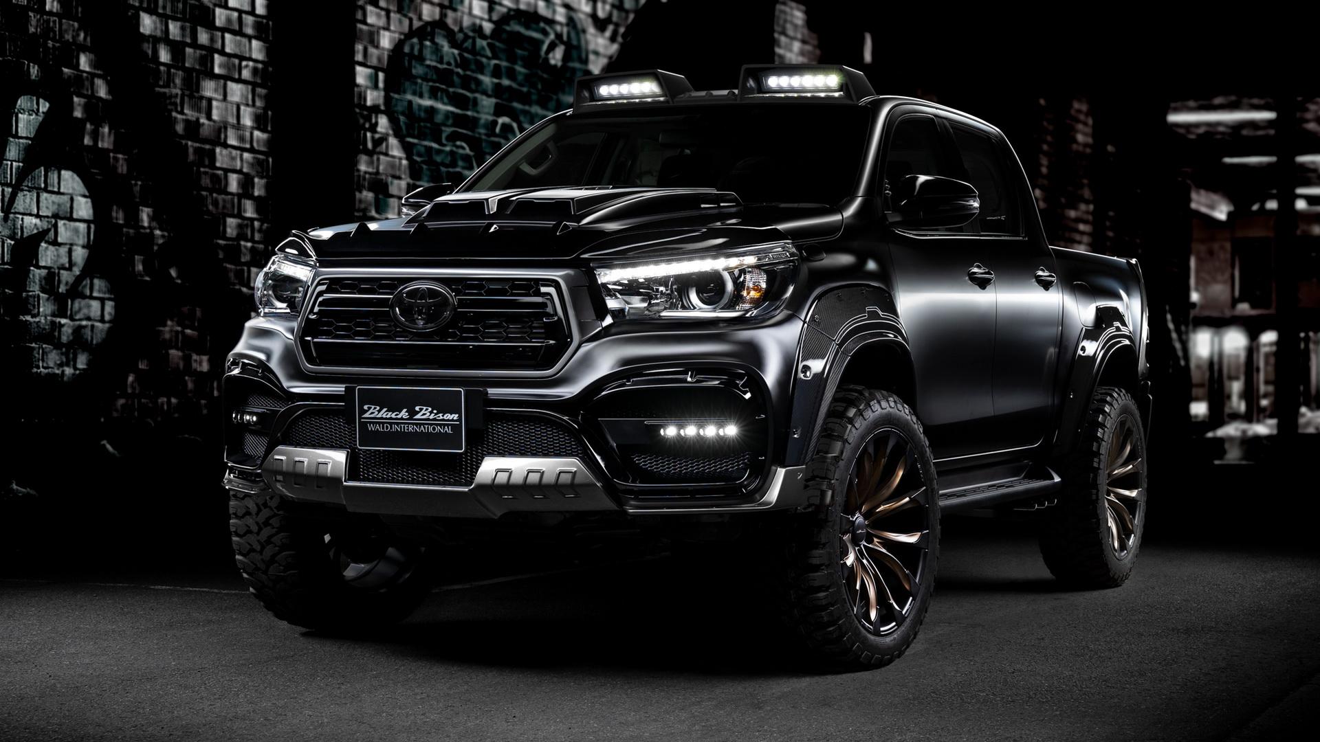 Toyota Hilux bản độ cực ngầu, thách thức Ford Ranger