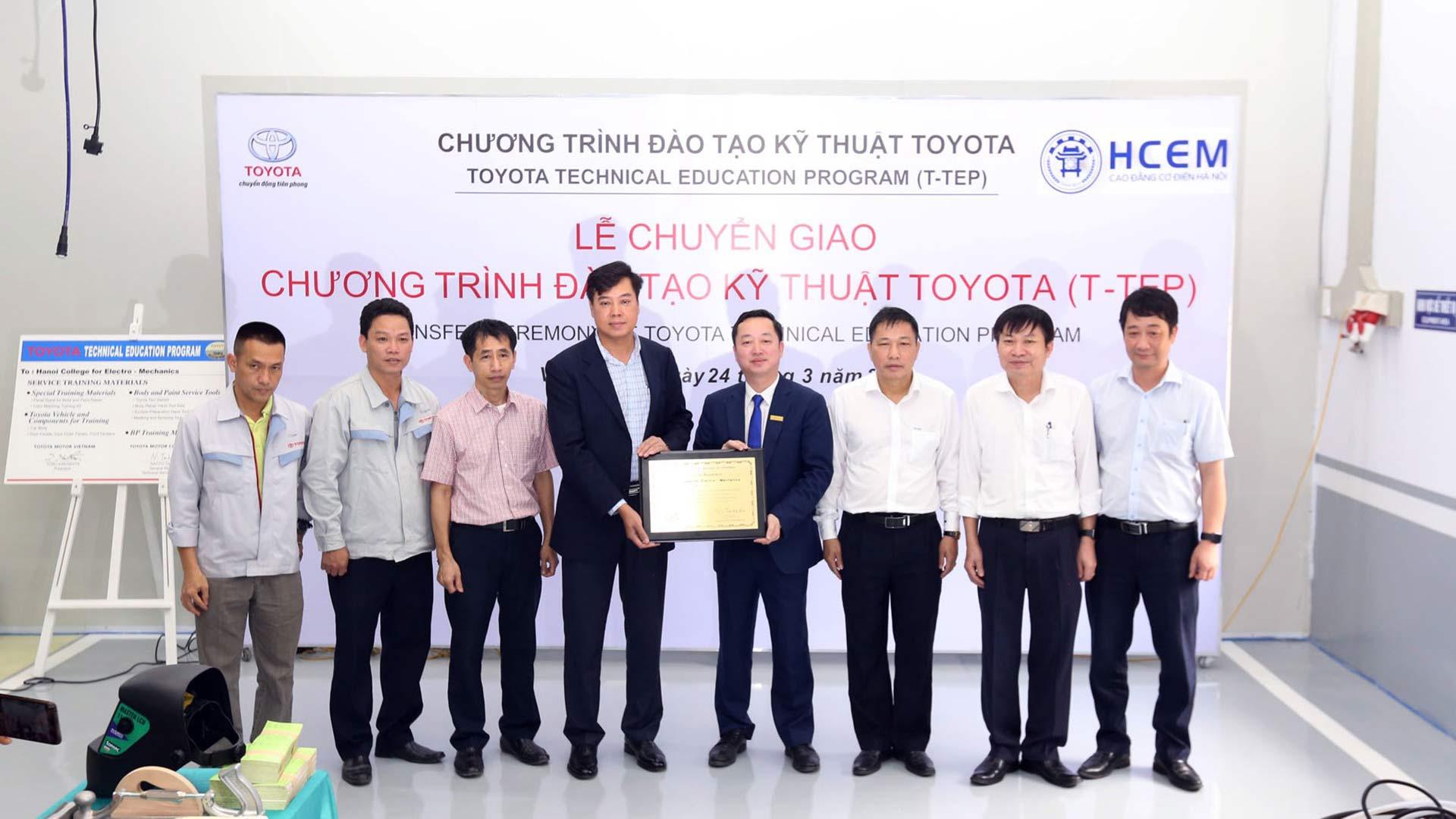 Toyota Việt Nam tiếp tục mở rộng Chương trình Đào tạo Kỹ thuật Toyota