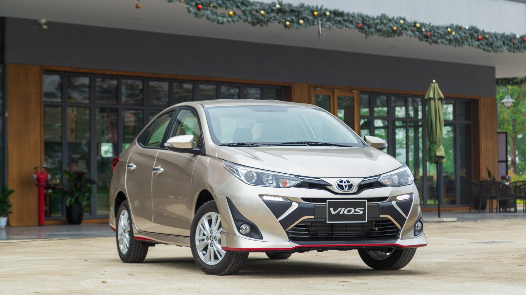 Doanh số xe Toyota Việt Nam tháng 3/2020 giảm mạnh 44%