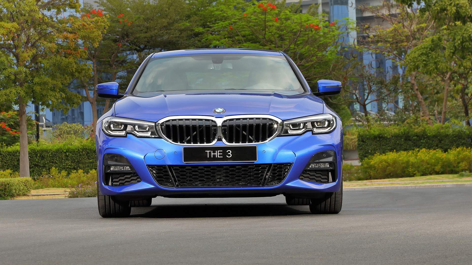 Vì sao BMW 330i 2020 M Sport có giá ngang ngửa Mercedes E300 AMG 2020?