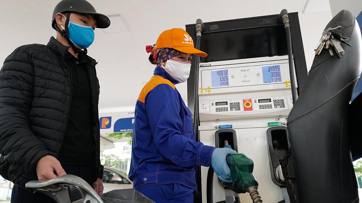 Giá xăng, dầu tiếp tục tăng