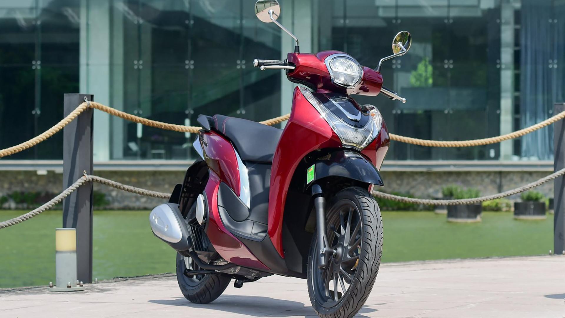"""Chạy thử và đánh giá Honda Sh mode 2021 - Thiết kế đẹp, máy êm, ăn xăng như """"ngửi""""?"""