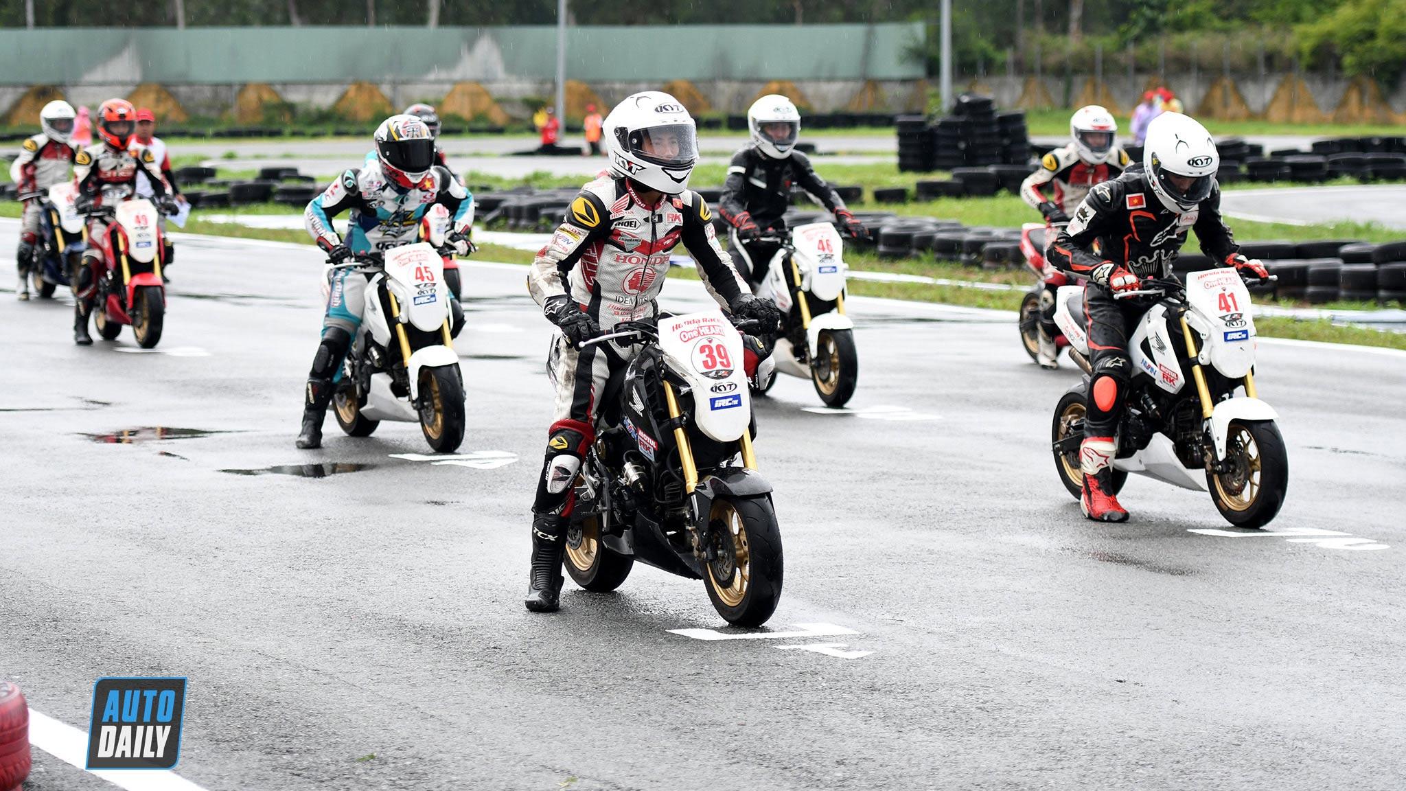 Những tay đua xuất sắc tranh tài hạng mục MSX 125cc tại VMRC 2020