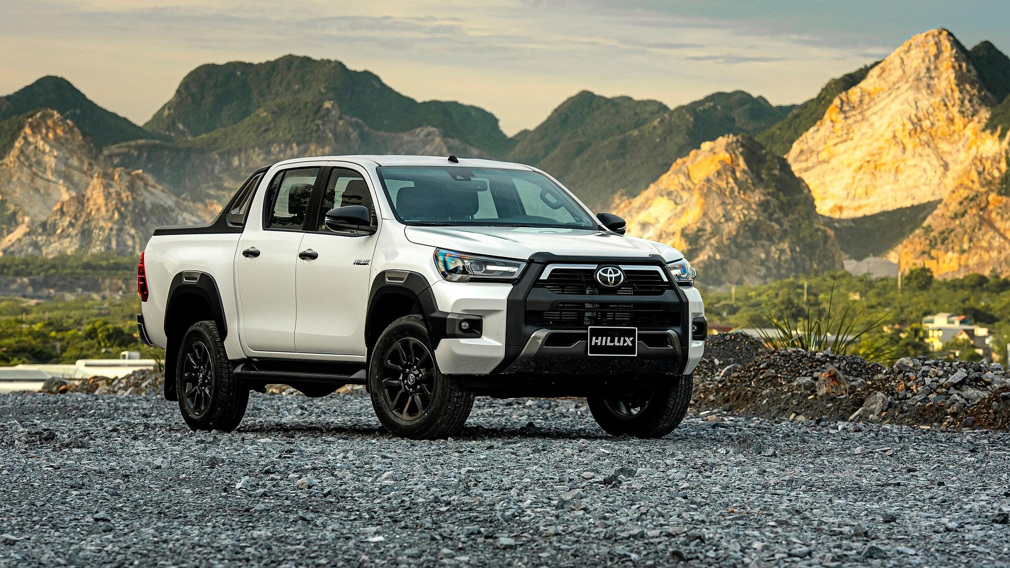 Toyota Hilux 2020 chính thức ra mắt tại Việt Nam, giá từ 628 triệu đồng